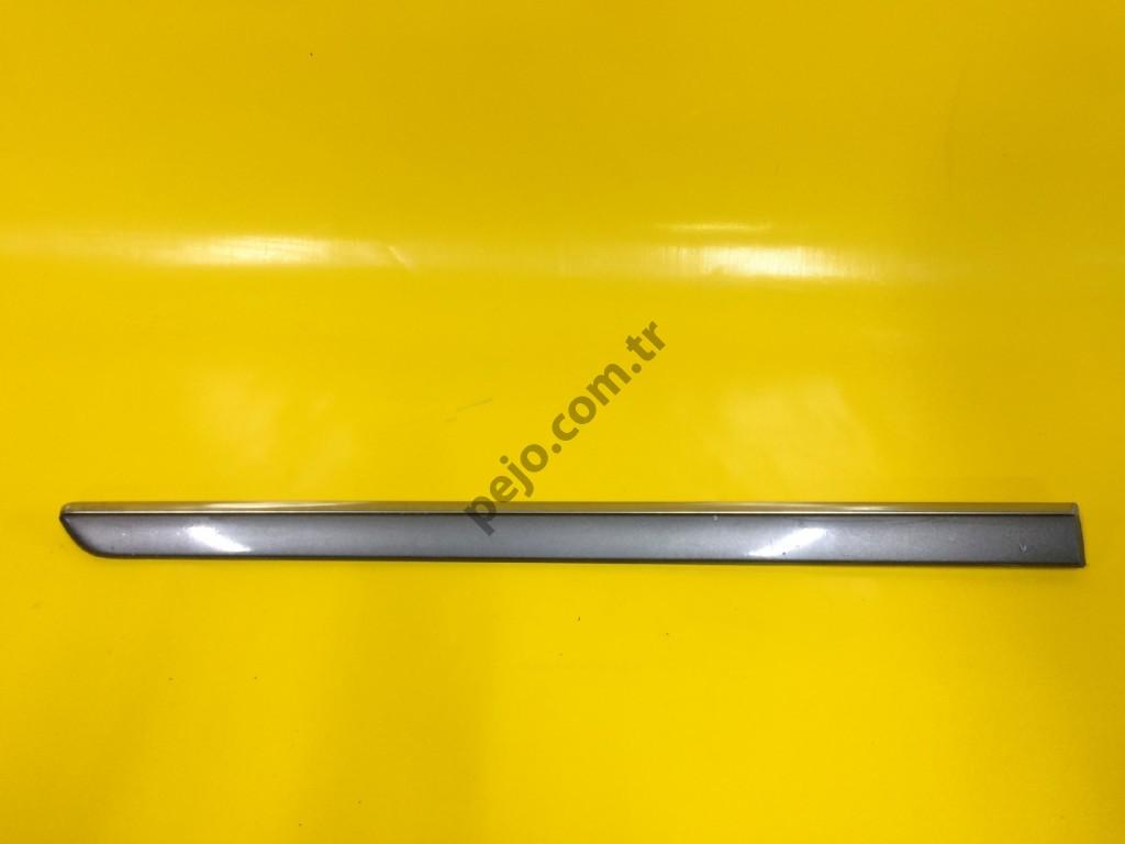 Peugeot 407 Sağ Arka Kapı Çıtası Nikelajlı