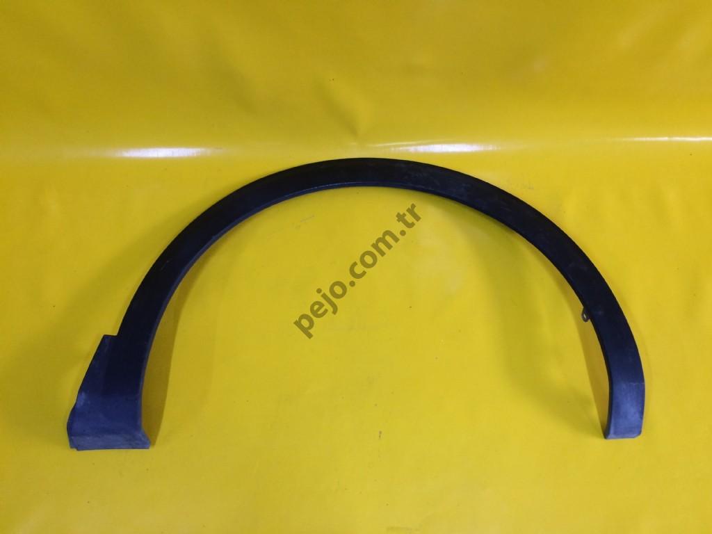 Peugeot 5008 P87E Çamurluk Çıtası Sağ Ön